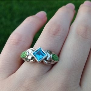 Vintage blue rhinestone green and silver ring